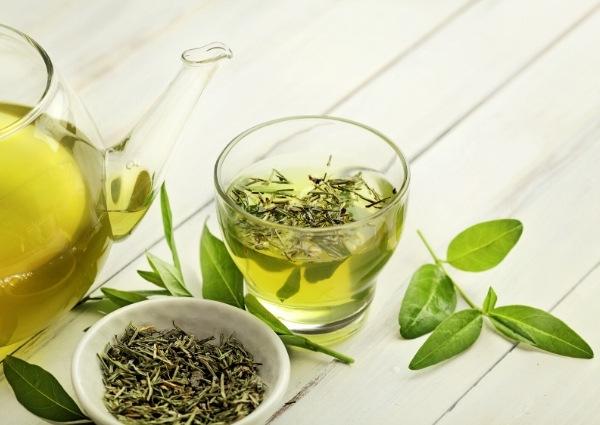 Le thé vert : bruleur de graisses